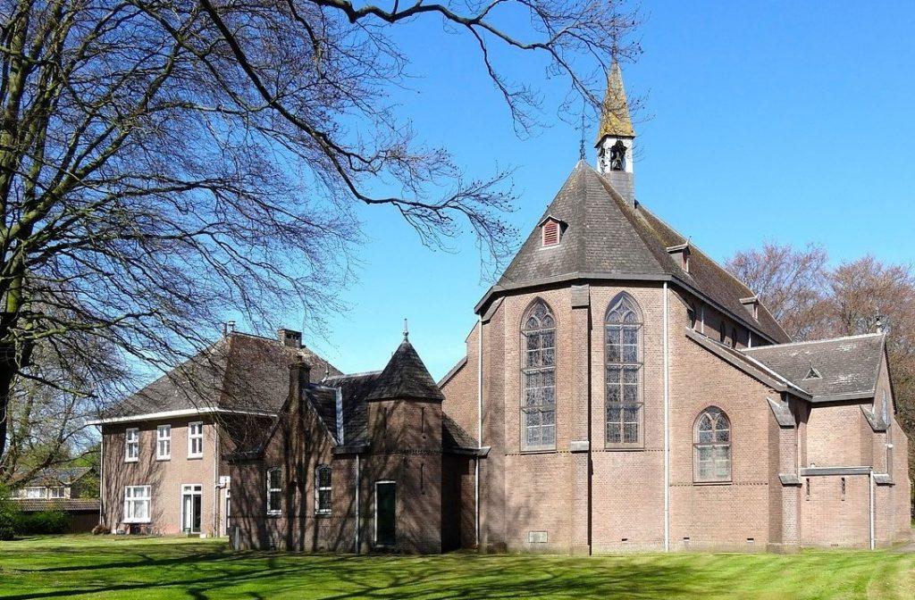 /wireless-communication-sytem-multilingual-translation-churches-axiwi