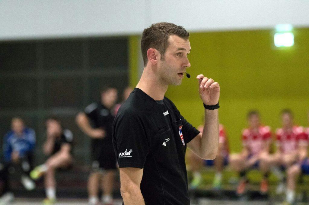 /wireless-communication-system-handball-dutch-referee-axiwi
